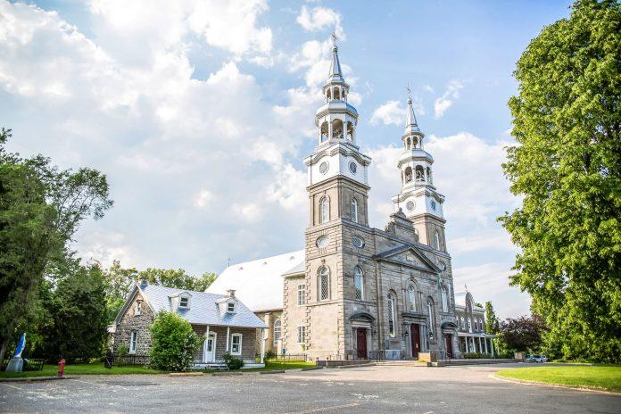 eglise-de-la-Visitation-de-la-Bienheureuse-Vierge-Marie-est-de-montreal