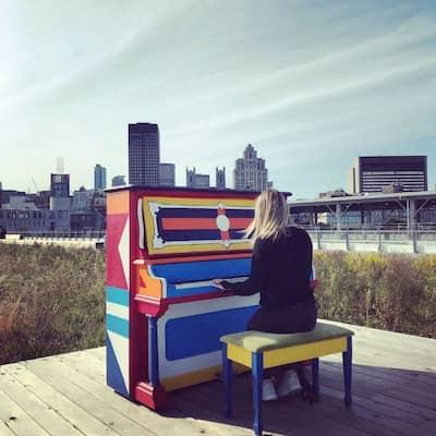 Piano quai vieux port montréal